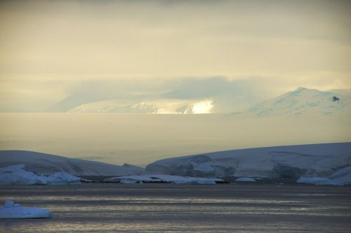 Landscapes/Icebergs and Pack ice - Lemaire Channel-Pleneau Island: Pleneau Island - Sun, snow, ice and water