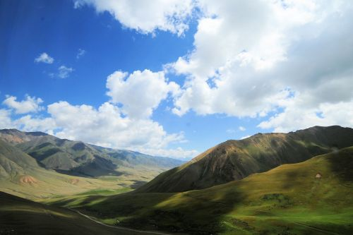 Landscapes/Mountains - Kyrgyzstan, Naryn Province: The road between Bishkek and Song Köl Lake