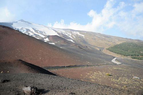 Living-Natue: The Mineral Kingdom - Italy, Sicily:  Mount Etna