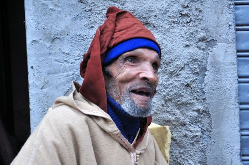 Old-Age - Morocco: Man in gallabiyah