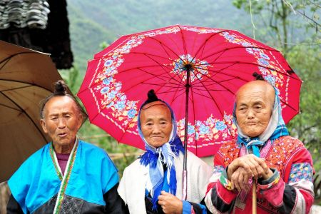 Faces of China: ´The Golden Age Triad´ 3 graceful old ladies, Xingyi, Guizhou Province