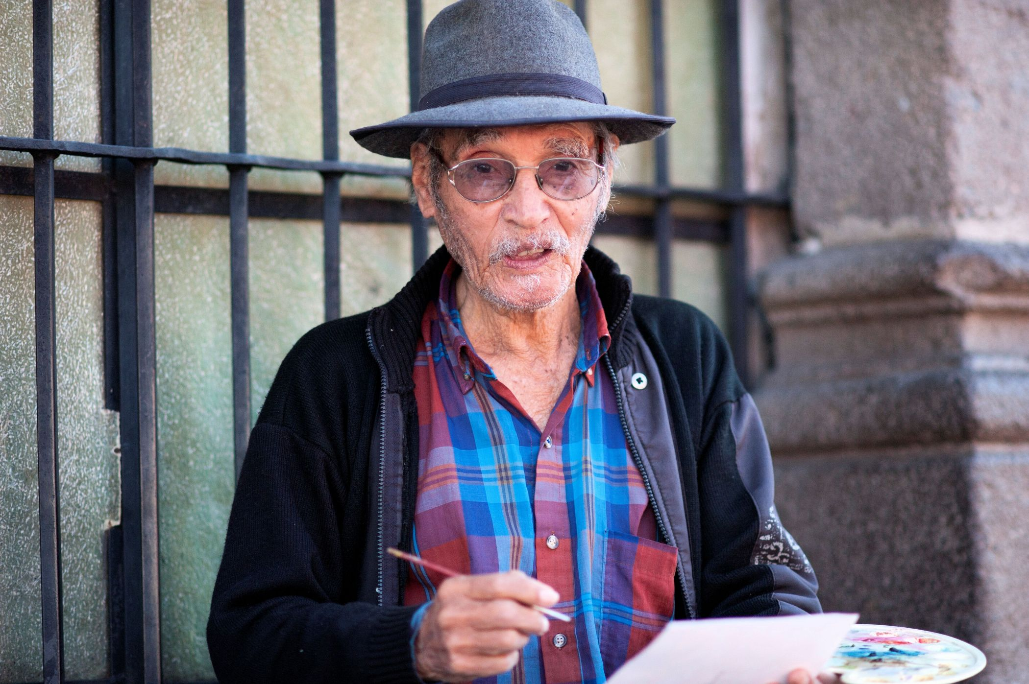 Faces of Guatemala: A painter in the street