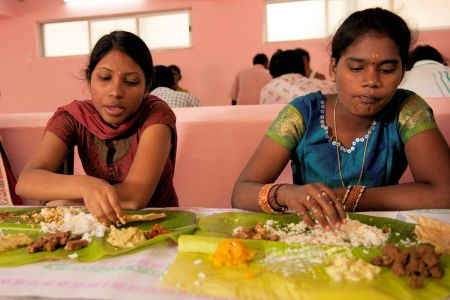 Faces of India: Eating with hands