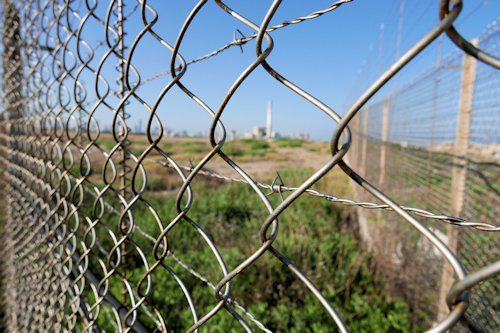 Sde Dov-May 2020: Where there is a fence, there is a hole