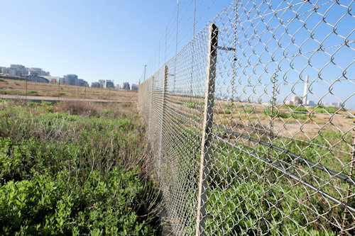 Sde Dov-May 2020: More fences