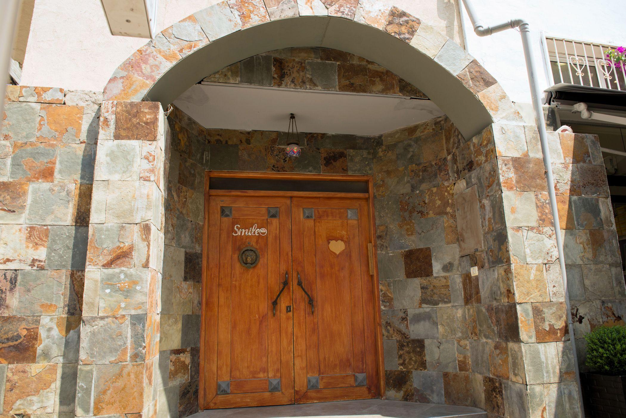 Superbe ... Urban   Doors, Alleys And Windows: Wood And Marble Doorway, Neve  Tzedek, ...